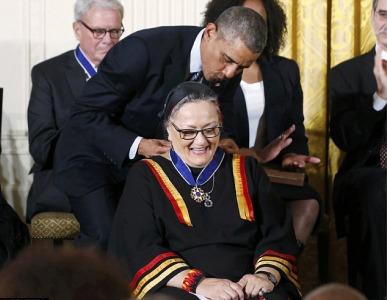 En novembre dernier, Suzan Harjo a reçu la médaille de la liberté des mains de Barack Obama.